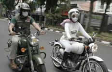Ultah Pernikahan, Kang Emil Beri Motor Klasik untuk Istrinya, Duh Romantisnya - JPNN.com