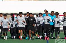 Kiper Timnas Indonesia U-19 Erlangga Setyo Ingin Ikuti Jejak Bagus Main di Eropa - JPNN.com