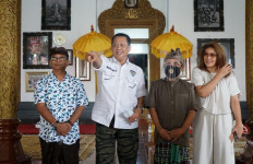 Bamsoet Melayat Jenazah Putra Raja Klungkung Bali Tjokorda Gede Agung - JPNN.com