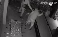 3 Pria Keroyok Seorang Pegawai Hotel di Cikarang, Alasannya Sepele - JPNN.com