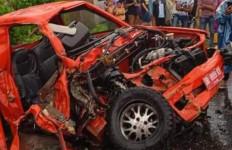 Berita Duka, Mobil Tim BPBD Hancur Berkeping-keping, Ada yang Meninggal Dunia - JPNN.com