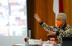 Ganjar Beri Peringatan untuk Daerah yang Tidak Menerapkan PPKM - JPNN.com