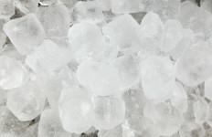 Jangan Suka Mengunyah Es Batu, Ini Lho Bahayanya untuk Gigi - JPNN.com