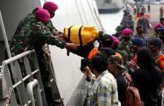 Begini Reaksi Warga Pulau Lancang Begitu Tahu Suara Menggelegar itu Pesawat Jatuh - JPNN.com