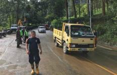 Hati-hati, Kawasan Gunung Mas Puncak Bogor Terjadi Longsor - JPNN.com