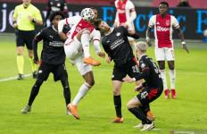 Hasil Imbang Ajax-Eindhoven Keuntungan Bagi Feyenoord - JPNN.com