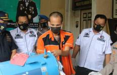 Bea Cukai Gagalkan Penyelundupan Sabu-sabu dari Malaysia di dalam Tabung Kompresor - JPNN.com