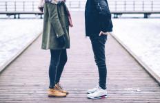 6 Posisi Tidur Ini Bisa Jadi Tanda Pasangan Sedang Selingkuh - JPNN.com