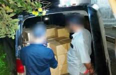 Truk Bawa Ratusan Ribu Batang Rokok Ilegal Diamankan, Sopir Kabur ke Arah Perkebunan - JPNN.com
