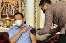 Ketua MPR Disuntik Vaksin Covid-19 Tahap Kedua, Sama Dengan Yang Disuntikkan ke Presiden Jokowi - JPNN.com