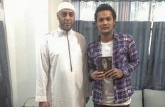 Virgoun Kenang Momen Baca Syahadat Dituntun Syekh Ali Jaber - JPNN.com