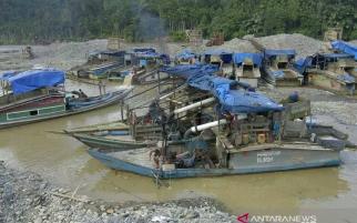 Jenazah Korban Longsor Tambang Emas Solsel Dipulangkan ke Jawa