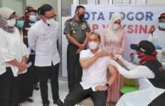 Usai Divaksin Covid-19, Wakil Wali Kota Bogor Langsung Merasakan... - JPNN.com
