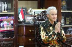 Pemprov Jateng Dapat Penghargaan Lagi dari OJK, Ganjar: Ini Persembahan untuk Masyarakat Jawa Tengah - JPNN.com