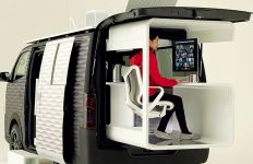 Keren, Nissan Sulap Mobil Van jadi Ruang Kerja Berjalan - JPNN.com