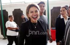 Nikita Mirzani Bawa Masuk Pria ke Rumah Tengah Malam, Terjadilah - JPNN.com