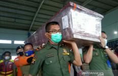 Tragedi Sriwijaya Air SJ182: Jenazah Indah Halimah Putri Tiba di Palembang - JPNN.com