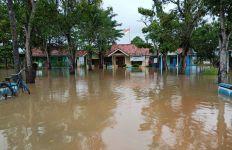 4 Kecamatan di Pekalongan Juga Dilanda Banjir, 6.619 Jiwa Terdampak - JPNN.com