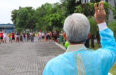 Pak Ganjar Memeriksa Kondisi Pasien Covid-19 di Asrama Haji Donohudan, Ini Pesannya - JPNN.com