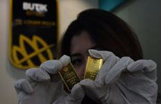 Harga Emas Antam dan UBS di Pegadaian Hari ini, Rabu 24 Desember 2021 - JPNN.com