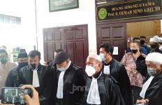 Alasan Kubu Gus Nur Tak Ajukan Eksepsi, Kalimat Terakhir Eggi Sudjana Menohok - JPNN.com