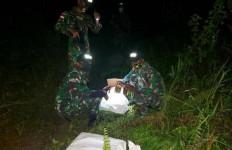 Prajurit TNI Menyergap 4 Orang yang Masuk Lewat Jalan Tikus - JPNN.com