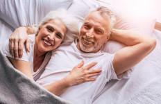 3 Kebiasaan Tidur Ini Bikin Hubungan Anda dan Istri Jadi Terganggu Lho - JPNN.com