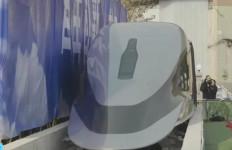 Gokil! Tiongkok Kenalkan Purwarupa Kereta Secepat Pesawat - JPNN.com