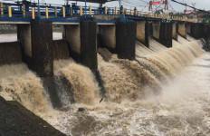 Sejak Kamis Pagi Bogor Diguyur Hujan, Begini Kondisi Air di Bendung Katulampa - JPNN.com