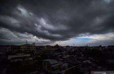 BMKG Ingatkan Waspada Cuaca Ekstrem pada Puncak Musim Hujan Januari-Februari - JPNN.com