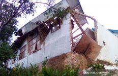 2 Desa di Cianjur Porak-poranda Dilanda Longsor dan Angin Kencang - JPNN.com