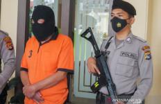 Eks Anggota DPRD Ini Pernah Melakukan Percobaan Asusila pada Putrinya yang Lain - JPNN.com