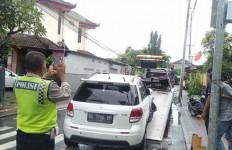 Masyaallah, Ambulans Membawa 3 Pasien Covid-19 Terlibat Kecelakaan - JPNN.com