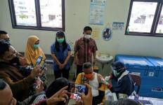 Wali Kota Khairul dan Istrinya Divaksinasi Covid-19 Pakai Jatah Tenaga Kesehatan - JPNN.com