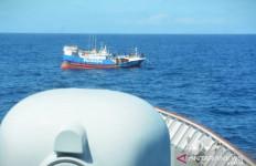 Ada Kapal Asing di Laut Natuna, Kolonel Binsar Mengeluarkan Perintah, KRI Bermanuver, Tegang - JPNN.com