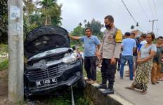 Diadang Polisi, Mobil Perampok Nyungsep, 2 Pelaku Nyaris Diamuk Massa, 3 Masih Buron - JPNN.com