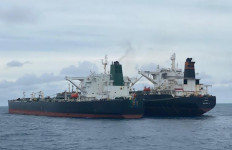 2 Kapal Tanker Asing Tiba-tiba Berhenti dan Menutup Nama Lambung Kapal, Prajurit Bakamla Langsung Bertindak - JPNN.com