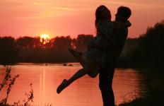Jangan Cari Penyakit, Ini Lho 4 Risiko Jatuh Cinta dengan Pria Playboy - JPNN.com