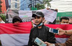 Tuntutan Liberty Dicopot Menguat, Puluhan Anak Muda Datangi Kanwilkum HAM DKI - JPNN.com
