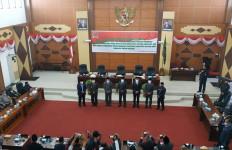 DPRD Kapuas Hulu Umumkan Akhir Masa Jabatan Abang Nasir-Antonius L Ain Pamero - JPNN.com
