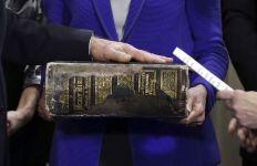 Kitab Suci dalam Seremoni Kenegaraan AS: dari Bibel Hingga Bhagawadgita - JPNN.com