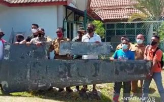 Penemuan Benda Mirip Serpihan Sayap Pesawat Bikin Heboh, Prajurit TNI AL Turun Tangan