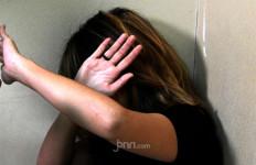 Istri Bawa Seorang Gadis ke Rumah Untuk Memuaskan Suami, Lalu Menontonnya - JPNN.com