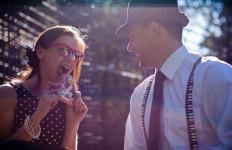 5 Kebiasaan Manis yang Dilakukan Suami untuk Istrinya - JPNN.com