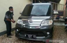 Perempuan PNS Berbuat Asusila dengan Pria Beristri di Mobil, Kepergok Warga - JPNN.com