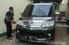 PNS Wanita Mesum di Mobil, Sial, Suami Tahu - JPNN.com