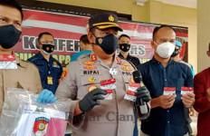 Sarjana Pendidikan Korupsi Uang Bansos Ratusan Juta Rupiah, Parah! - JPNN.com