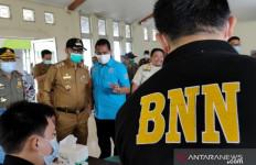Satpol PP Singkawang Jalani Tes Urine, Satu Orang Positif Narkoba, Wali Kota Bilang Begini - JPNN.com