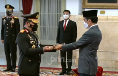 Listyo Sigit Menunduk ke Jokowi, Lalu... - JPNN.com