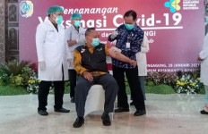 Tujuh Tokoh Gagal Disuntik Vaksin Covid-19 - JPNN.com